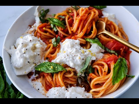 Dinner Recipe: BEST EVER Lemony White Wine Spaghetti with Burrata by Everyday Gourmet with Blakely