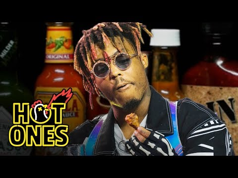 Kobi - Juice Wrld Eats Hot Wings On Hot Ones In His Hometown Of Chicago!