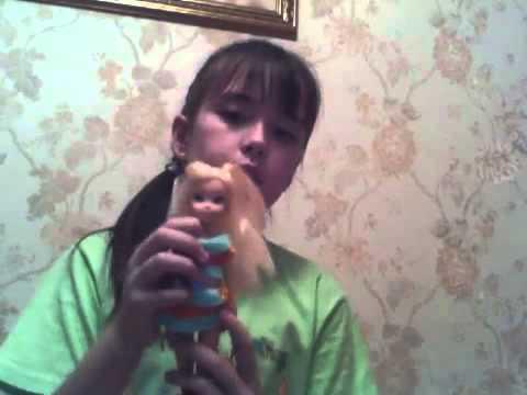Куклы winx принадлежащие симпатичной девочке