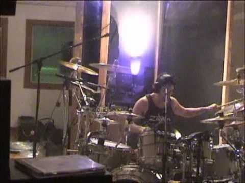 Drum God Mike Mangini (ANNIHILATOR,Extreme,Steve Vai,Dream Theater) in studio CHECK THIS OUT!