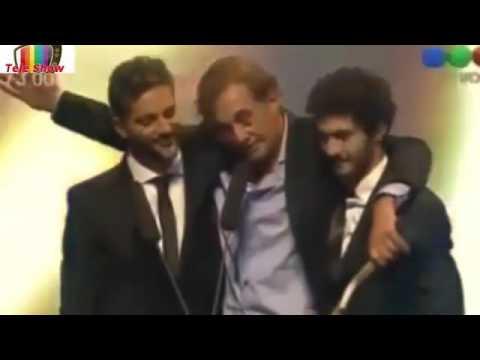 Alejandro Awada subió borracho a recibir el premio Premios Tato 2015