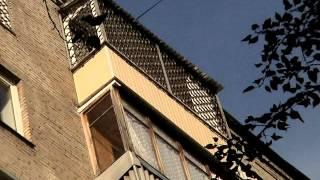 видео Технология остекления балкона раздвижными алюминиевыми окнами от АРСеналстрой