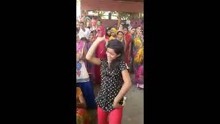 Video 14 की लड़की ने किया फाडू डांस || 14 Years Girls Hot  Sexy Dance || Viral mms 2017 By Sagarock Dj Ok download MP3, 3GP, MP4, WEBM, AVI, FLV November 2017