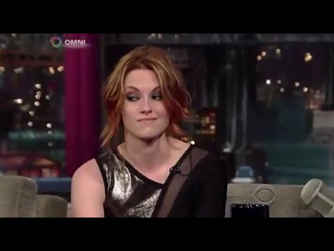 kristen-stewart-hates-being-famous-(and-doing-interviews)