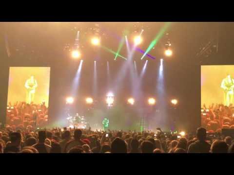 Twenty One Pilots - Message Man LIVE (Emotional Roadshow Tour 2017 Albany NY)