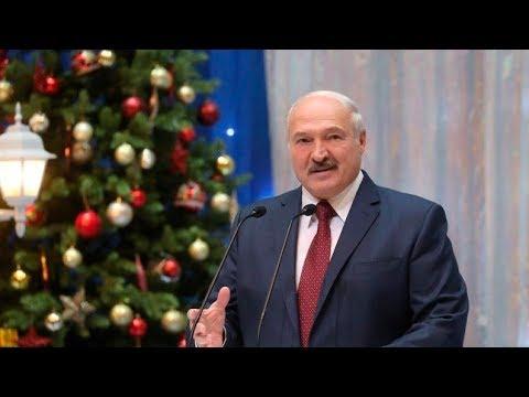 Александр Лукашенко принимает участие в благотворительном новогоднем празднике во Дворце Республики