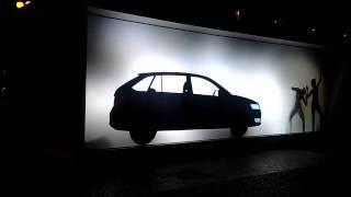 Реклама Skoda(Прогуливаясь по улицам Праги, я случайно наткнулась на эту