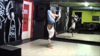 Funny Hand Hops Variation Fail B-Boy Visible (HD)