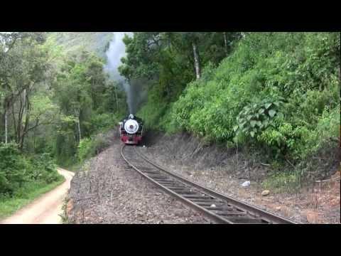 Locomotiva 155 da ABPF a todo vapor na Serra do Mar (steam locomotive) - 2010 - (Brasil)