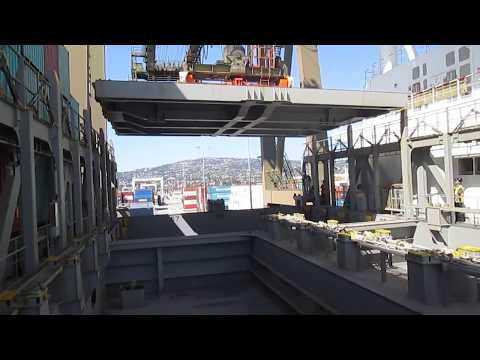 Container vessel Gigantic Hatch cover Shifting