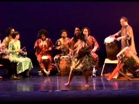 Togo Atsia: Alokli ft Peace Elewonu
