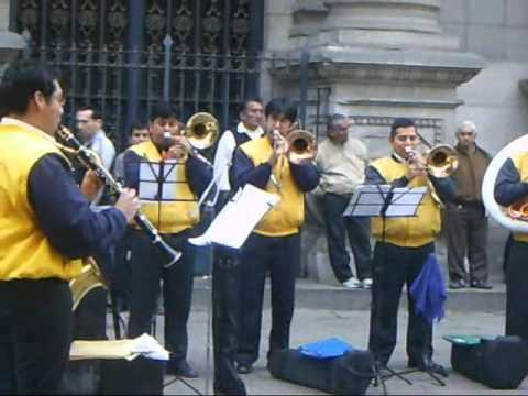 BANDA DE MUSICA DE LA MUNICIPALIDAD METROPOLITANA DE LIMA: Tributo  a Raphael