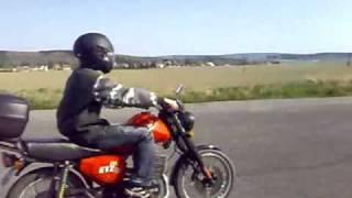 Blázni na motorkách 27.4