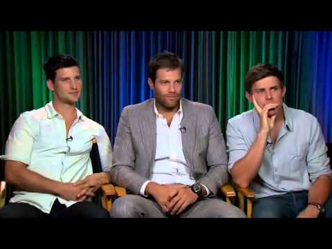ENLISTED : Parker Young, Geoff Stults & Chris Lowell
