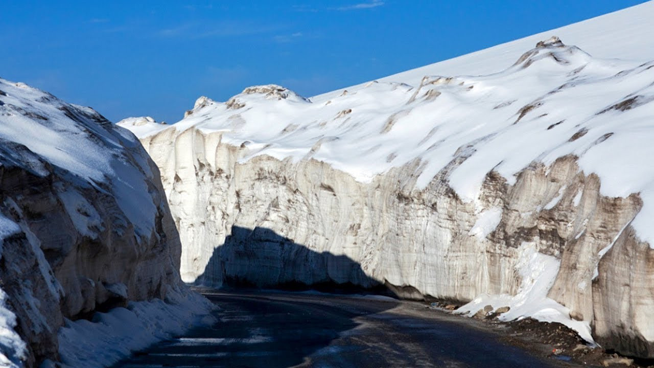 Babusar Top Road Condition 2 June 2019 Naran, Babusar Pass, Hunza Road is closed