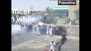 جندي اسرائيلي يعتدي على فلسطيني أثناء تأديته الصلاة