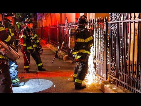 *Pre-Arrival* FDNY Firefighters Run Into Burning School; Fire 5th Floor [ Manhattan 10-75 Box 1148 ]