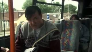 Derek capitulo 1 temporada 1 Ricky Gervais