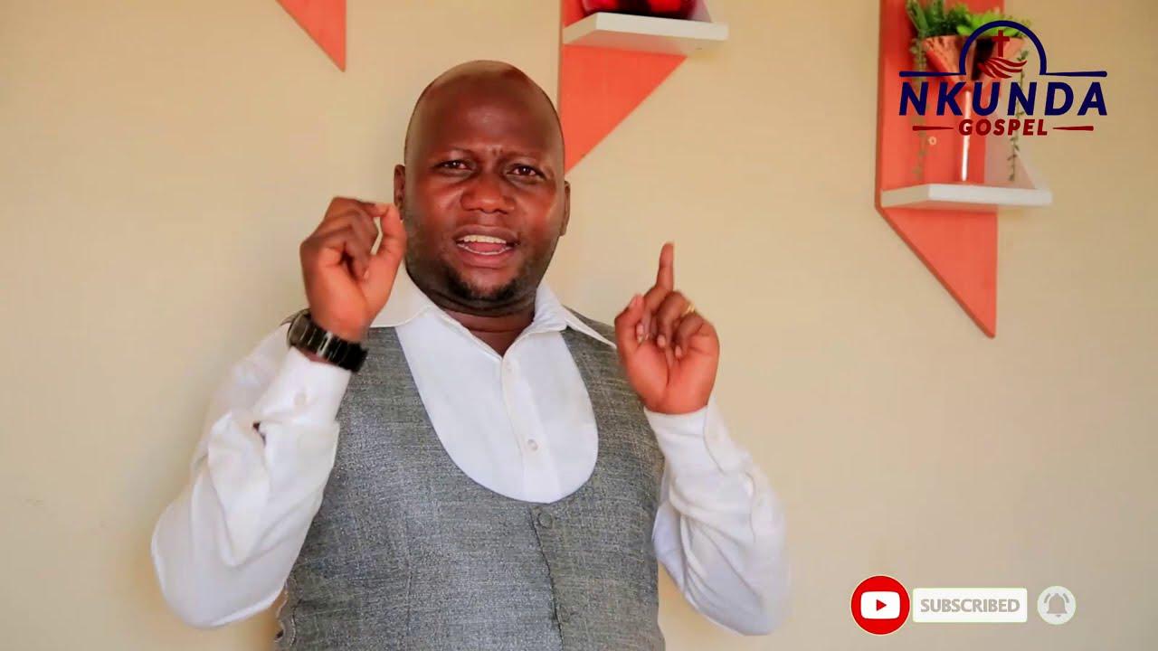 Download Atubwiye uko Pastor Mutesi mushiki we yapfukamye kumfaranga Pst Eddy wahoze mu basiramu Afite ijambo