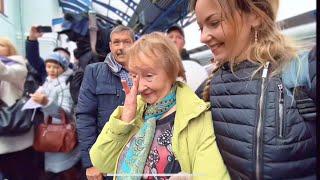 Как встретили поезд: люди плакали! Мама не сдержала слёз. Первый поезд в Крыму после долгой разлуки!