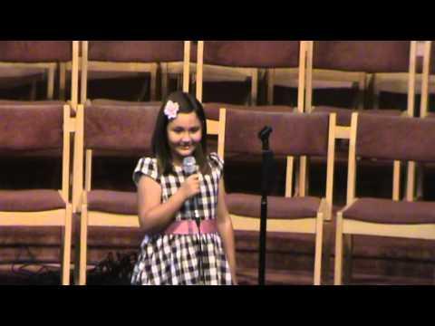 LITTLE GIRL singing @ WILLOWDALE'S MUSIC FEST
