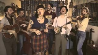 La Familia de Ukeleles - Moonrise Swing