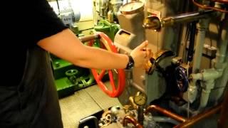 Alter Diesel-Schiffsmotor