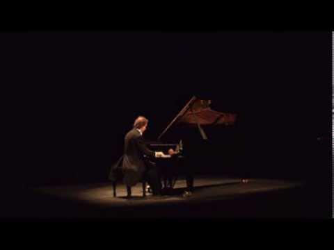 Alberto Urroz plays Ravel Pavane