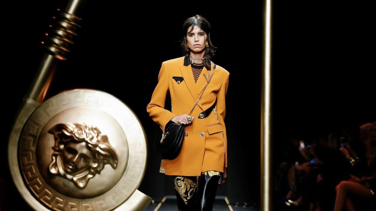 [VIDEO] - Versace | Fall Winter 2019/2020 Full Fashion Show | Exclusive 5