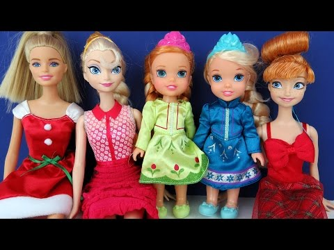 Thumbnail: CHRISTMAS Celebration ! Elsa & Anna toddlers - Elsa causes Power Blackout - Singing Carols - Playing