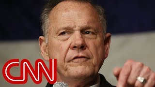 Stelter: Roy Moore masters Trump's anti-media playbook thumbnail