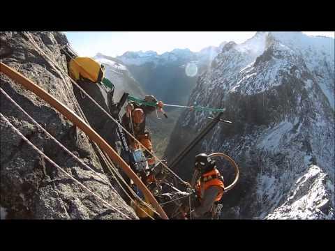Geovert - 2000 tonne Granite Pinnacle Removal (June 2013)