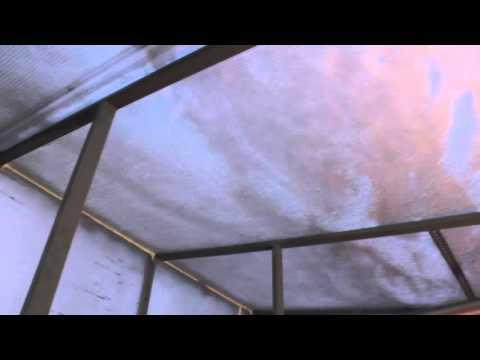 Снег на крыше теплицы из поликарбоната! Проблема или нет?