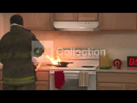THANKSGIVING HOLIDAY COOKING SAFETY TIPS