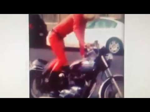 画像: Triumph Bonneville Girl Kick Start youtu.be