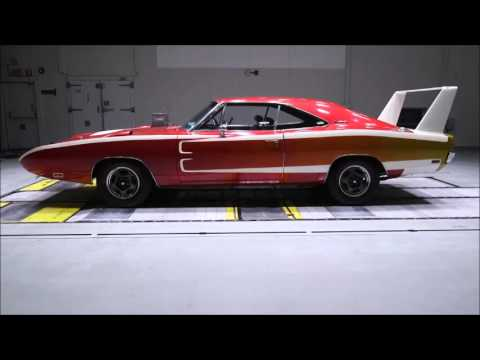 Charger Daytona vs. Dodge Charger Hellcat