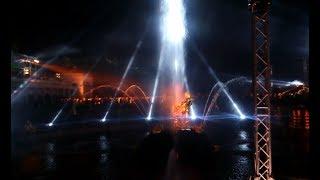 видео Закрытие фонтанов в Петергофе 2017