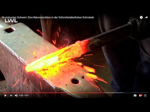 Wurmbuntes Schwert: Eine Rekonstruktion in der frühmittelalterlichen Schmiede