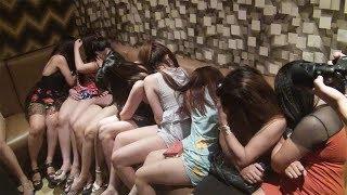 Hàng loạt tiếp viên nữ trong nhà hàng - karaoke không hợp đồng vẫn tiếp khách
