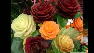 Красивое украшение из овощей -  цветы из овощей