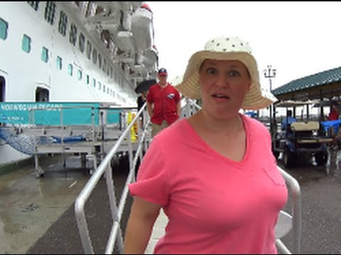 Cruise Vlog | Christmas in Nassau | What to do in Port for F