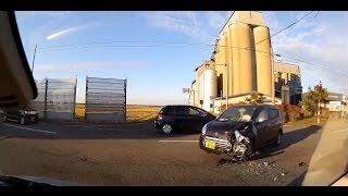 【ドラレコ2017】日本の事故・危険運転・ヒヤリハット集③ thumbnail