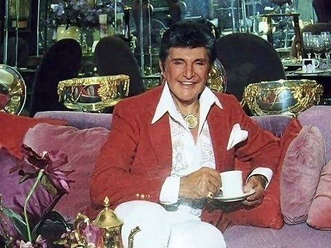 Lifestyles of the Rich and Famous: Liberace's six homes and museum 1983