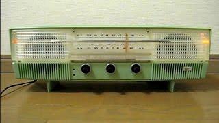 シャープ 早川電機工業の真空管ラジオUW-120です。 昭和36年発売、左右...