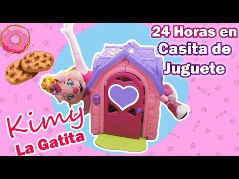 24 horas en una casita de juguete - Kimy La Gatita / Kids Play