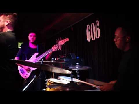 Moyses Dos Santos --  Afrobeat .