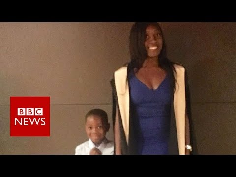 Single mum at uni: 'You can do both' - BBC News