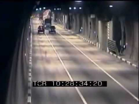 Traffic accidents in the longest Moscow Tunnel, Road Collision in Russia, TVDATA.TV