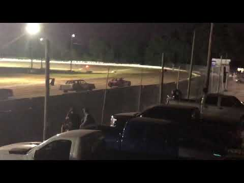 Took 1:30 minutes off of the begin due to Yellow flag by the T2 on the start. - dirt track racing video image