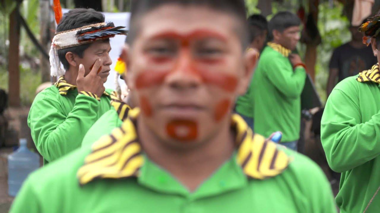 Índios Ka'apor contra o desmatamento